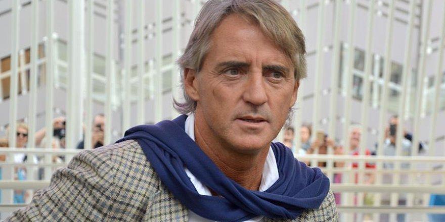 Caner'in hocası Mancini yol ayrımında