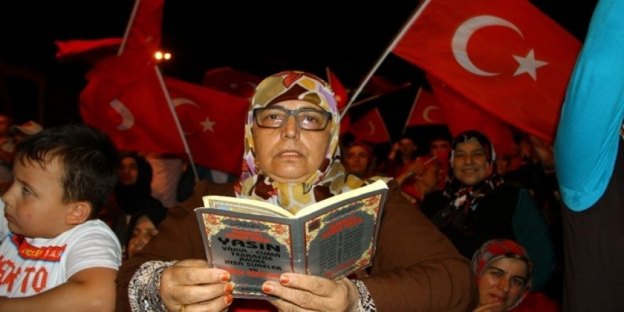 Yaşlı kadından Gülen'e 'Erkeksen Türkiye'ye gel' çağrısı