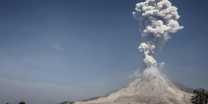 Japonya'da Sakurajima Yanardağı faaliyete geçti