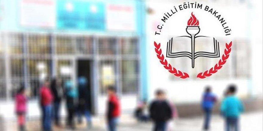 Kapatılan okullardaki öğrencilerin nakil süreci netleşti