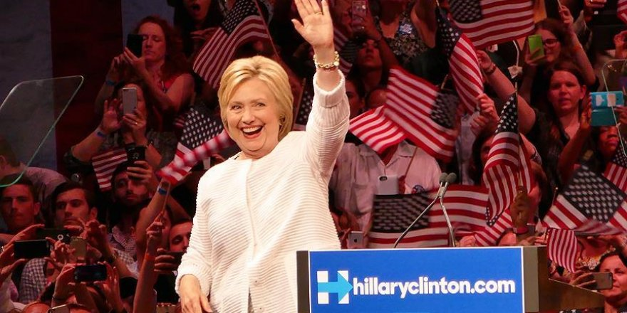 Hillary Clinton ABD'nin ilk kadın başkan adayı