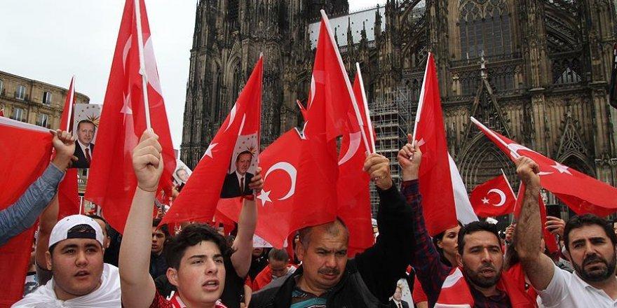 Almanya'da 'Darbeye Karşı Demokrasi Mitingi' düzenlenecek