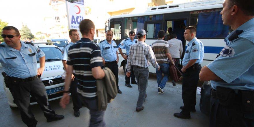 Konya'da 3 öğretmen tutuklandı