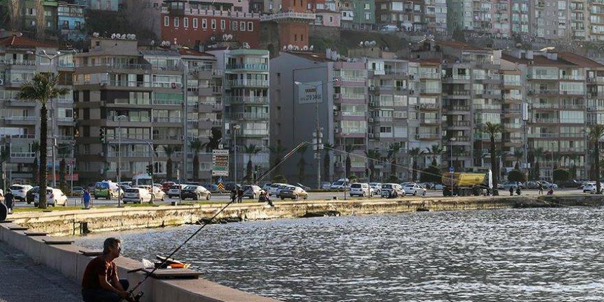 İzmir'e '15 Temmuz Demokrasi Meydanı'
