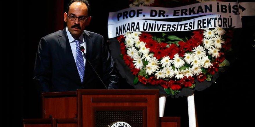 Prof. Dr. İnalcık son yolculuğuna uğurlanıyor