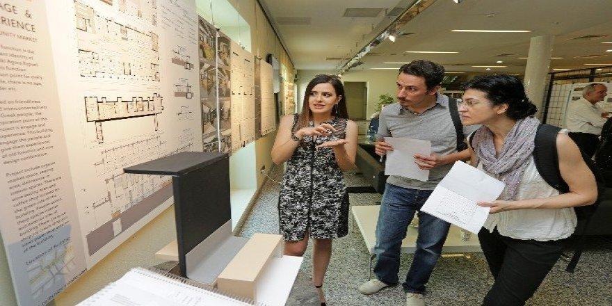Atina'ya İzmir'den tarihi dokunuş