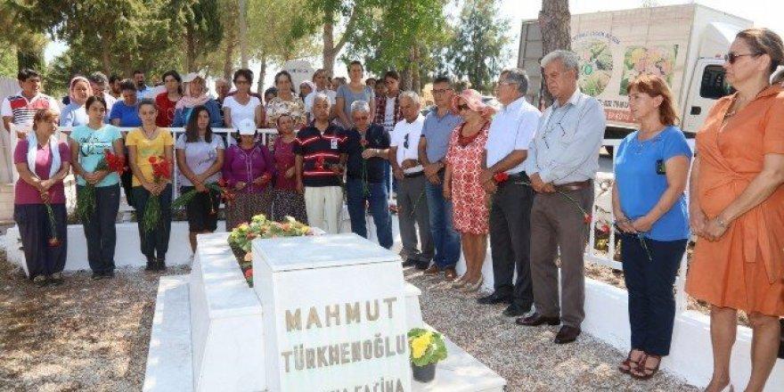 Türkmenoğlu, mezarı başında anıldı