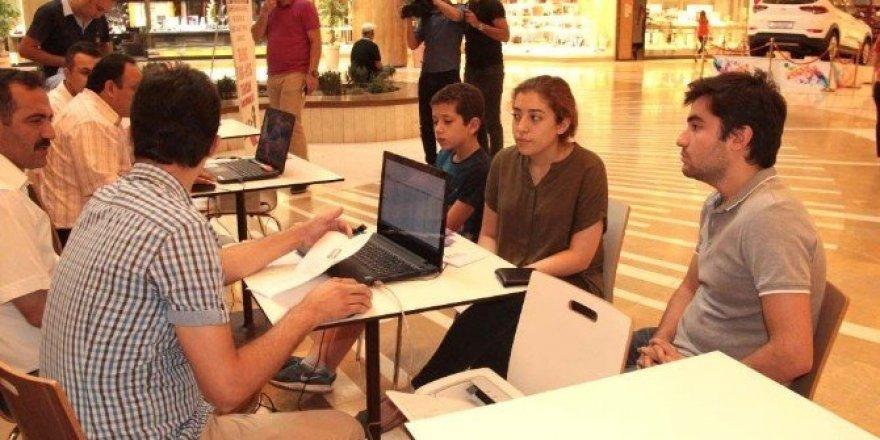 Piazza'da YGS-LYS Tercih Danışma Merkezi kuruldu