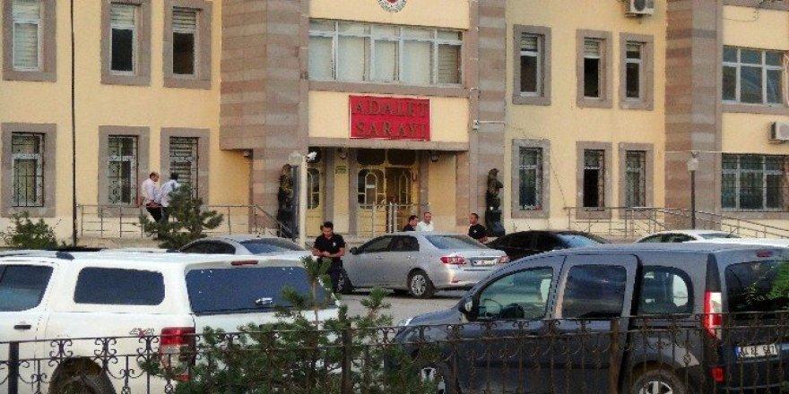 Doğubayazıt'ta 2 asker tutuklandı, 3 memur gözaltına alındı