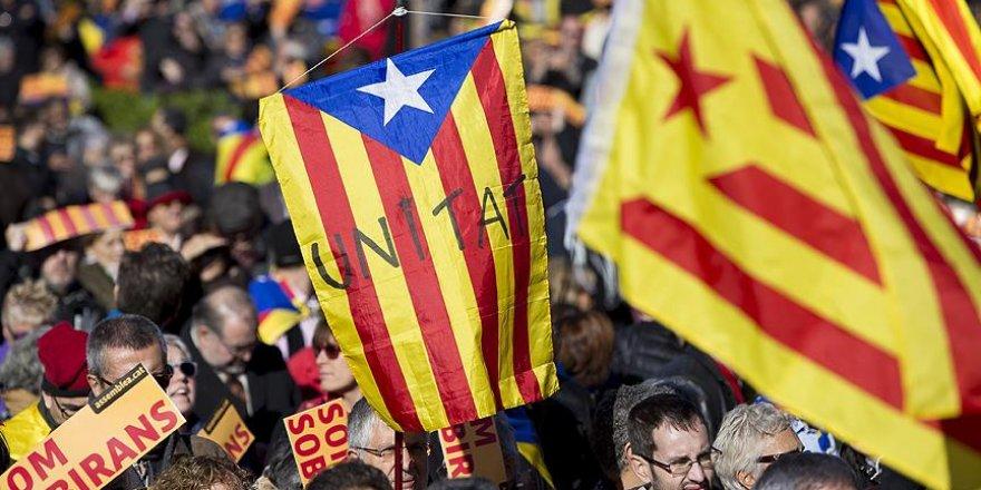 Katalonya'da bağımsızlık yanlısı girişimler