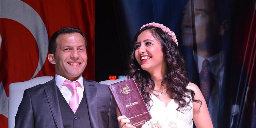 Demokrasi nöbetinde evlendiler