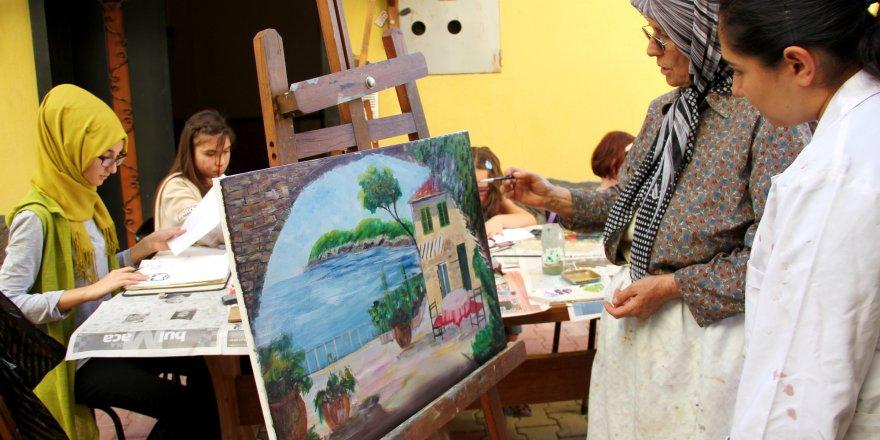 Resim yapmayı öğrendiler eserlerini sergileyecekler
