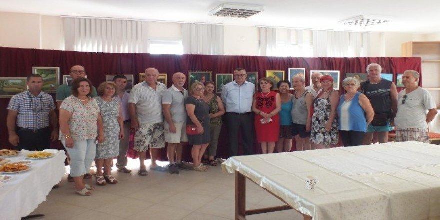 Ressam Gülnaz Deniz'in sergisi Akbük'te açıldı
