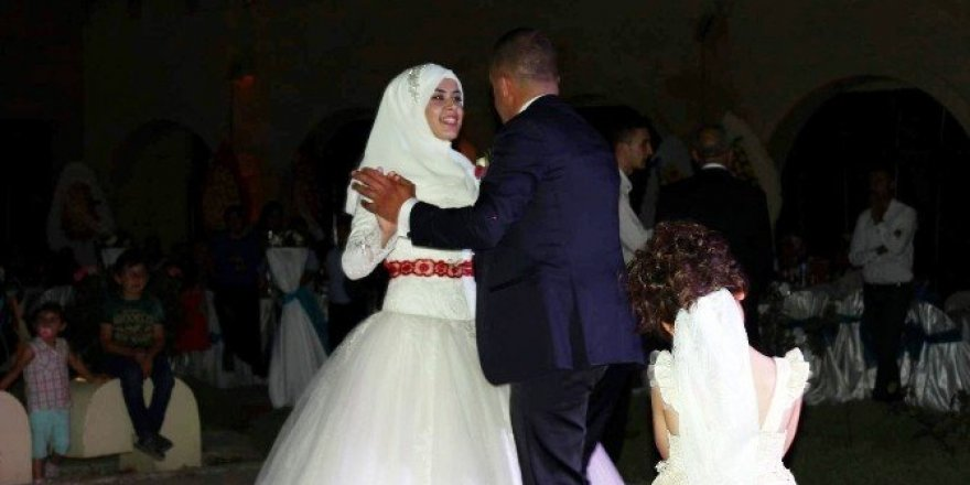 15 Temmuz'da düğünü bırakıp meydanlara koştular