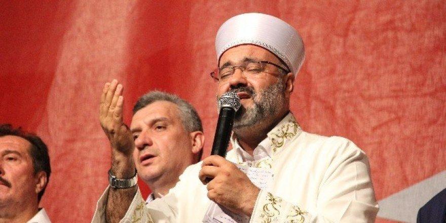 Bursalı din görevlileri meydana yürüdü
