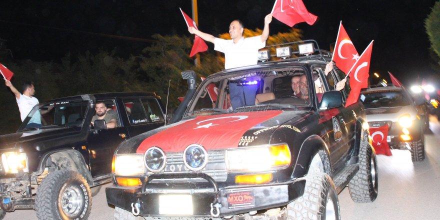 Beyşehir'de darbe girişimine konvoylu tepki