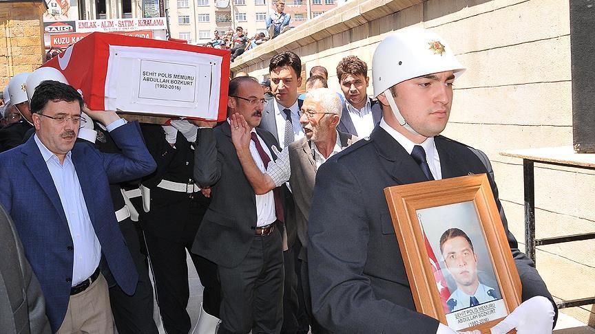 Şehit polis memuru Bozkurt ve Irmak toprağa verildi