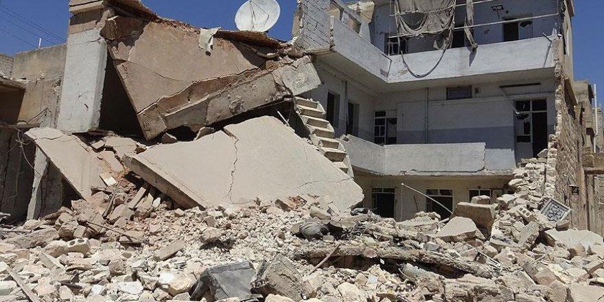 Suriye'de yerleşim yerlerine hava saldırıları: 10 ölü