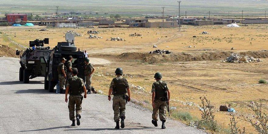 Hakkari'de yol kontrolü yapan askerlere saldırı: 5 şehit