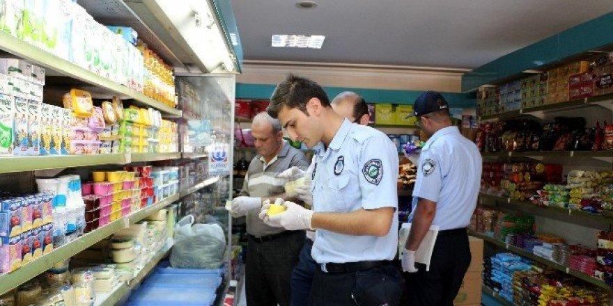 Gıda maddeleri satan iş yerleri denetlendi