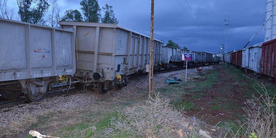 Elazığ'da yük trenine saldırı
