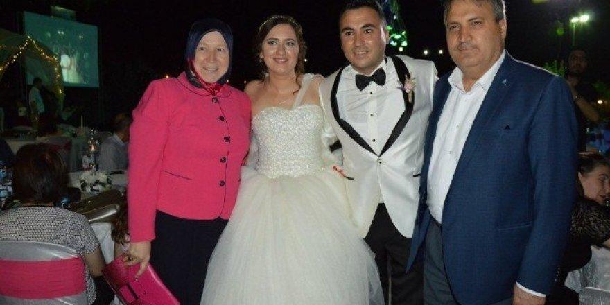 Başkan Çerçi Akhisar'da nikah kıydı