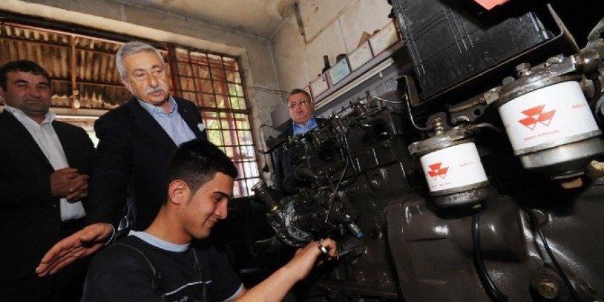 """Palandöken: """"Ticari araçlarda ÖTV indirimi hurda teşviki ile desteklenmeli"""""""