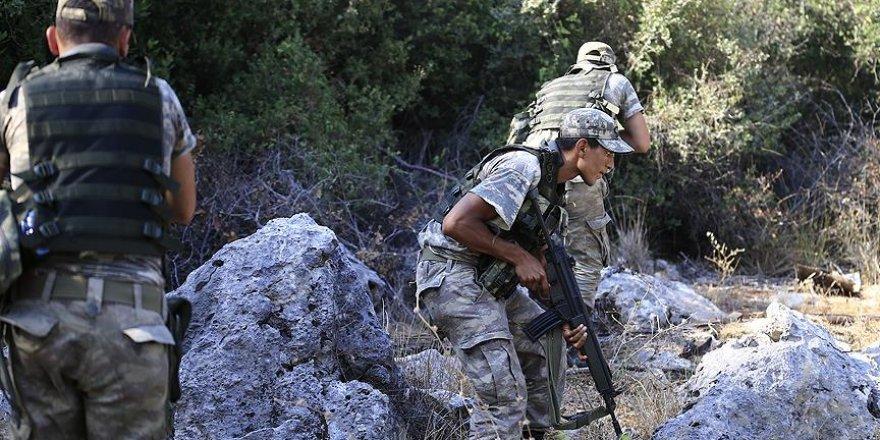 Darbeci askerleri arama çalışmalarına Özel Kuvvetler Taburu katıldı