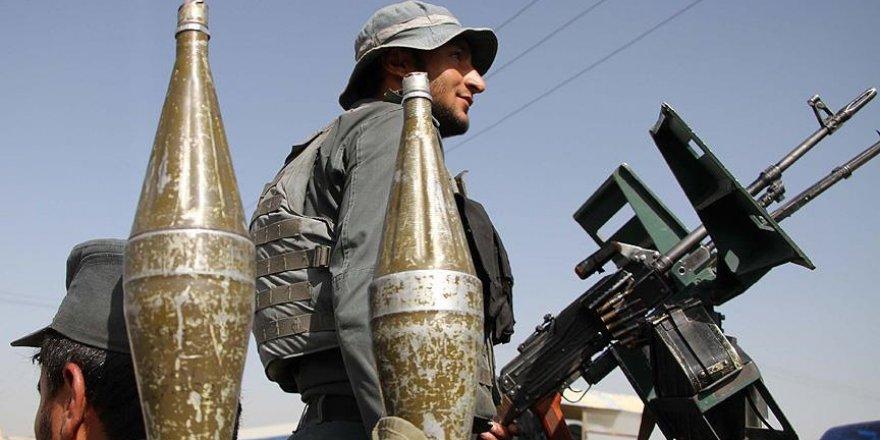 Afganistan'da misafirhaneye bombalı saldırı