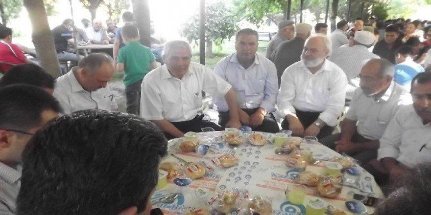 Eskil Belediyesi şehitler için mevlit okuttu