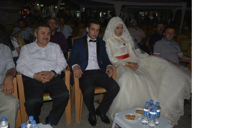 Düğünden çıkıp demokrasi nöbetine geldiler