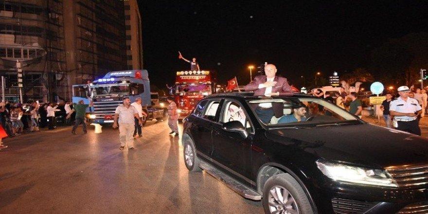 Tekkeköy'de demokrasi konvoyu