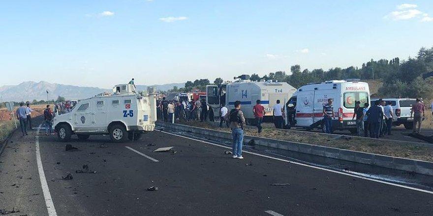 Polis servisine bombalı araçla saldırı! 6 şehit