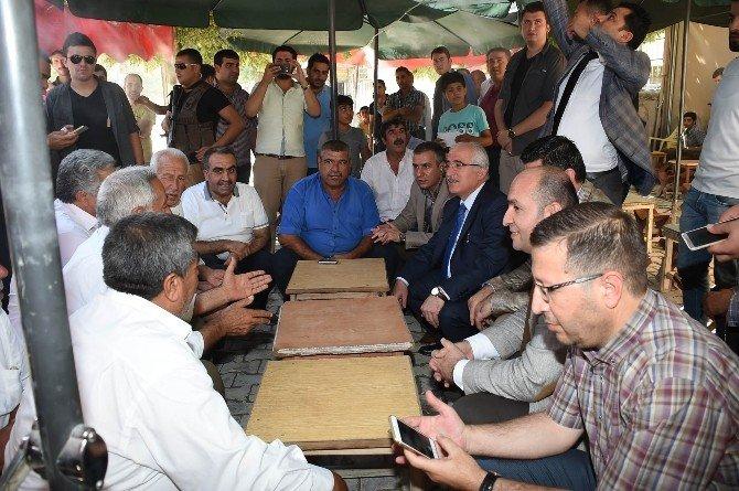 Vali Tuna ilçe ziyaretlerine Suruç'la devam etti