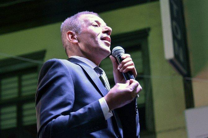 """Ünlü sanatçı Mustafa Yıldızdoğan: """"Bu darbe bir hainliktir, şerefsizliktir"""""""