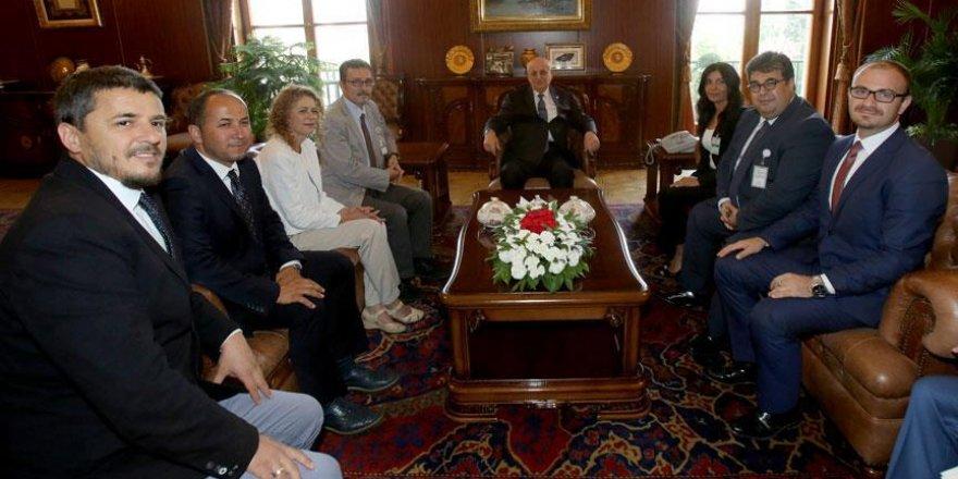 TBMM Başkanı Kahraman'a geçmiş olsun ziyareti