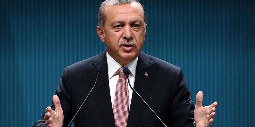 Erdoğan: Batı teröre destek veriyor ve darbelerin yanında yer alıyor