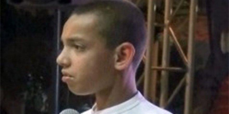 Savaştan kaçan 6 yaşındaki çocuk herkesi ağlattı