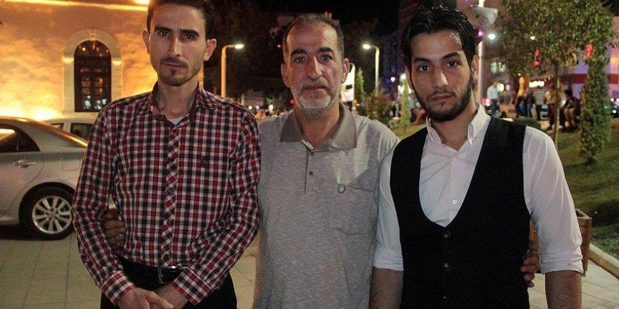 Suriyeli profesörden 'demokrasi nöbeti'ne destek