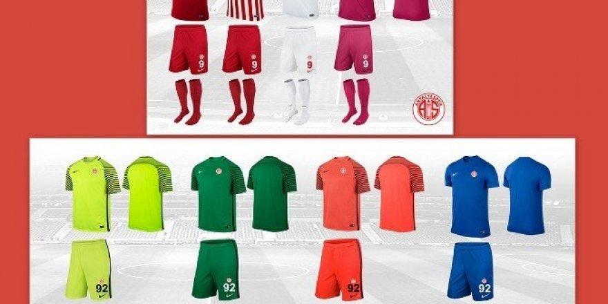 Antalyaspor'un yeni sezon formaları hazır