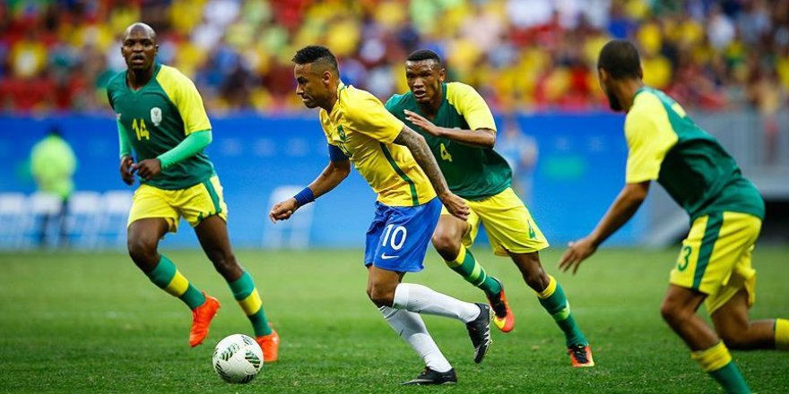 Brezilya 10 kişi kalan Güney Afrika ile berabere kaldı