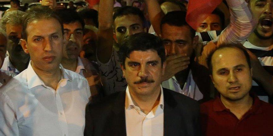 'Türk milleti demokrasisini söke söke almıştır'