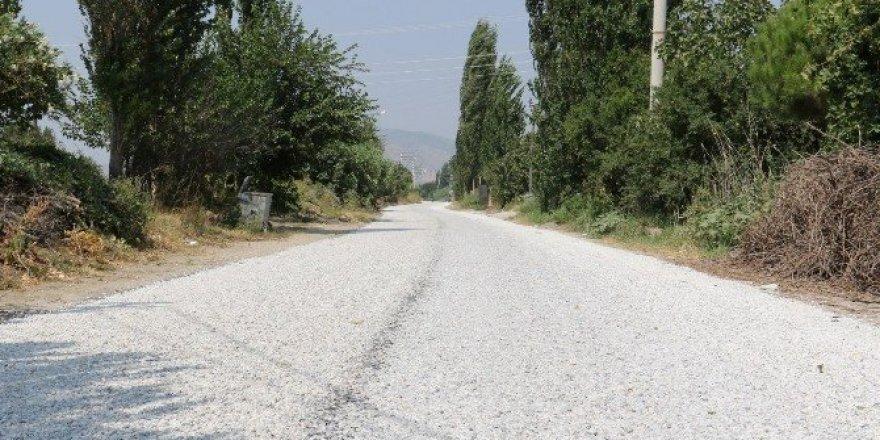 Büyükşehir Akselendi'yi Gölmarmara'ya bağlıyor