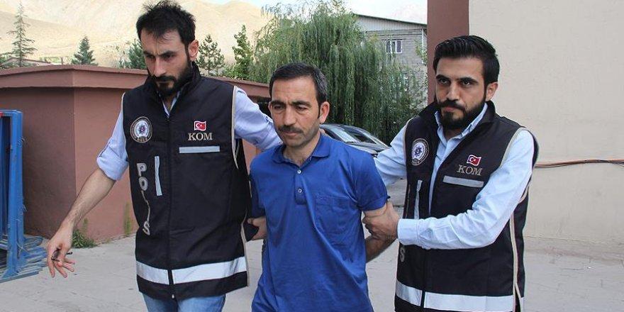 Hakkari Üniversitesi Rektörü Ceylan tekrar gözaltına alındı