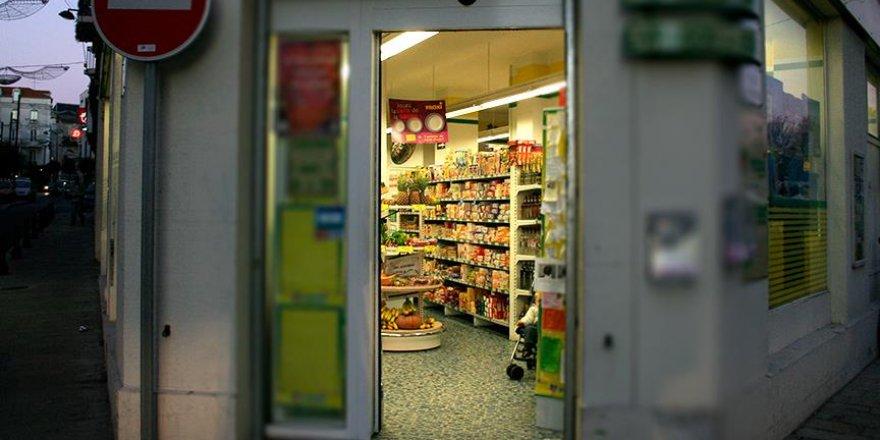 Fransa'da alkol satmayan markete tehdit