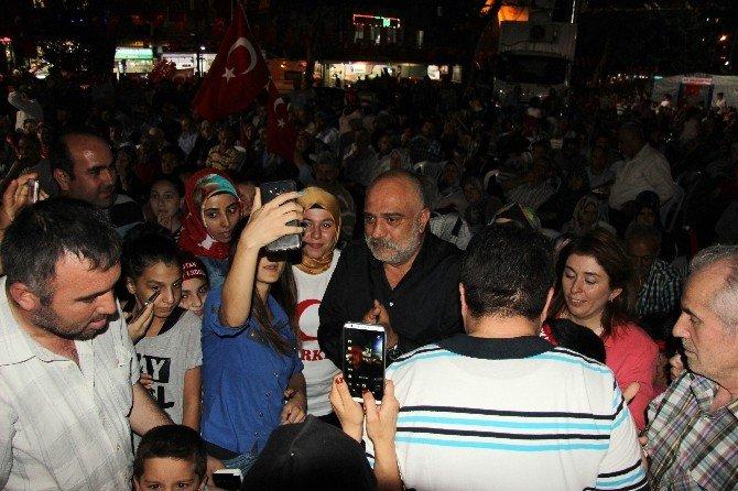 """Oyuncu Çevik: """"Demokrasi nöbeti Yenikapı'da taçlandıktan sonra bırakılacak gibi algılamasın insanlar"""""""