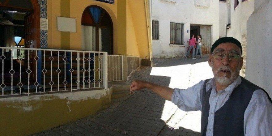 86 yaşındaki Mehmet Dede'den gençlere nasihat