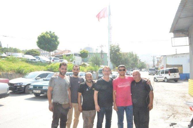 Soma esnafından Başkan Ergene'ye bayrak teşekkürü