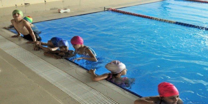 Nilüfer'de yüzme bilmeyen kalmayacak
