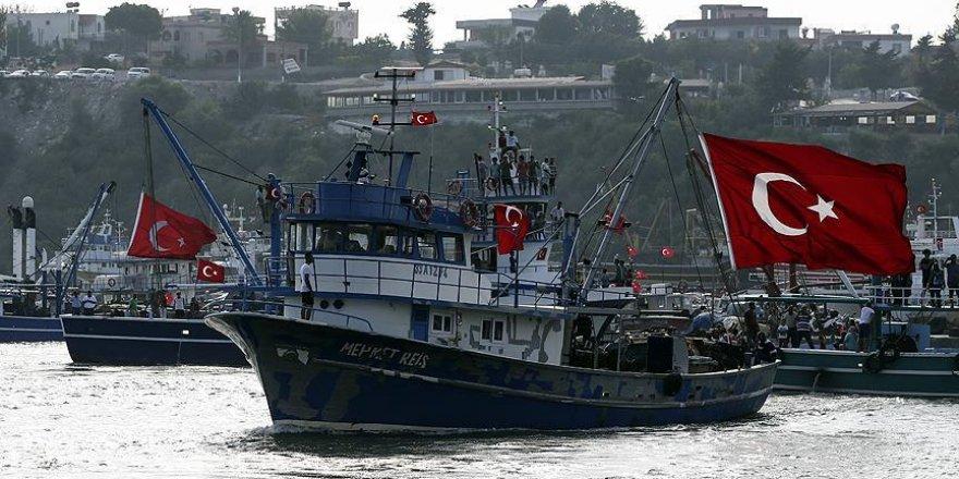 Balıkçılardan FETÖ'nün darbe girişimine tepki